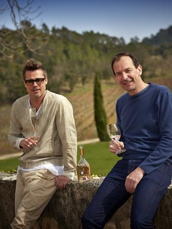 オイシックス、ブラッド・ピットとアンジェリーナ・ジョリー夫妻が所有するワイナリーのロゼワイン「ミラヴァル・ロゼ2013」を数量限定販売開始。