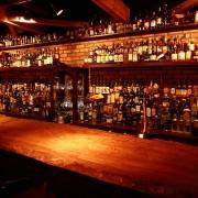 「Bar Ofen(バー オーフェン)」、ウィスキー飲み比べイベント「ウィスキーラリー」11月5日~12月30日開催。16種類のウィスキーを飲み比べてバカラ社製グラスをゲット。