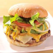 「ハワイアンカフェ&ダイナーTEDDY'S Bigger Burgers 表参道」 年末年始はオールナイト営業。