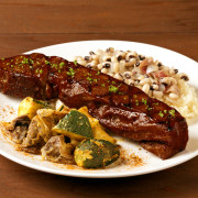 ハードロックカフェ、1月限定でアメリカ南部のお正月メニュー「ホッピン・ジョン & BBQポーク」を提供。