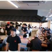 「かつや」唐揚げ専門店「からやま」、初日来店者数約1,000名。3日間で約3,000名が来店。