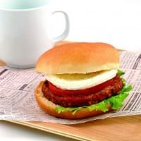日本初上陸・肉を使用しない「TOMEATO(トミート)バーガー」エキナカNewDaysで2週間限定販売。