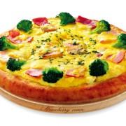 「ナポリの窯」「ストロベリーコーンズ」、ヨットレース「タモリカップ」とのコラボピザの販売を開始。