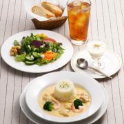 ロイヤルホスト、食事のはじめに野菜を食べるベジファーストを更に充実。野菜も主役の休日ランチをスタート。