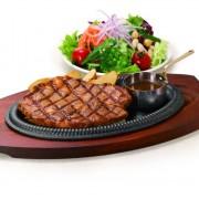 サラダバーが魅力のステーキ・ハンバーグ専門店が店舗拡大。30日間熟成肉をお手頃価格で提供。
