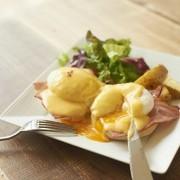 世界の朝食が集結する「~世界の朝ごはん~ 朝食フェス2015」前売チケットが本日より発売開始。