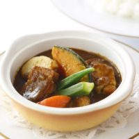 資生堂パーラー、伝統のレシピをアレンジしたカレーが楽しめるフェアを開催。
