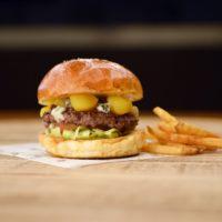 栗とゴルゴンゾーラがまさかのマッチ、和テイストが好評のアメリカンダイナーが限定バーガー発売。