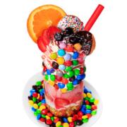 NYで人気の爆盛りカラフルパフェを体験できる「M&M'S(R)」カフェが期間限定オープン。