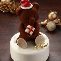 食べられるテディベア、お菓子のサンタフィギュアなど厳選素材にこだわった大人のXmasケーキ。