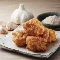 ローソン、「鶏から」をリニューアル。熟成醤油や淡路島の藻塩を使用し旨みアップ。