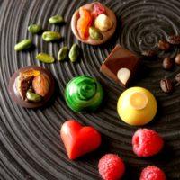 ロブション、2週間限定発売のバレンタイン商品を早くも発表。バラやフルーツ香る大人な味わい。