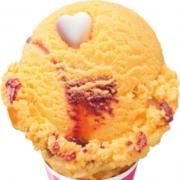 サーティワン、パッションフルーツとラズベリーにハート型菓子で甘酸っぱい恋の味を再現。