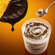 """マックフルーリーに""""ショコラオランジュ""""が登場。カカオとオレンジ香る「オレンジショコラ」新発売。"""