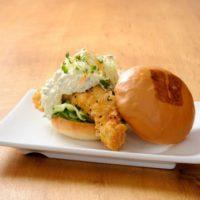 LA発ウマミバーガー、日本1号店がオープン。アメリカの味そのままに、日本限定メニューも登場。