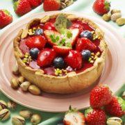 パブロ、3月の季節限定はフレッシュな苺とブルーベリーを使った「いちごとピスタチオ」。