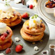 ビブリオテークのパンケーキが食べ放題、プレミアムフライデーに特別企画を開催。