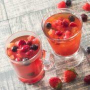 タリーズ、ストロベリーやラズベリーなど数種のベリーを使用した華やかな紅茶を季節限定販売。