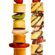パンケーキが串刺しに、食べ歩きできる進化系パンケーキ店「PANBO(パンボ)」がオープン。
