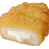 kiriクリームチーズが入ったミニストップ「チーズソース入りナゲット」がソース増量して復活。
