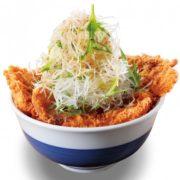 """カツ丼界の""""二郎""""的なガツ盛り野菜のカツ丼、「かつや」史上最大級のボリュームで誕生。"""