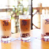 コメダ珈琲店、小倉あんを入れた「小豆小町」にアイスドリンクが新登場。