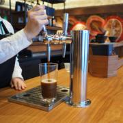 """スタバ、国内初""""ビール""""のようなコーヒー「ナイトロコールドブリュー」を銀座SIX蔦屋店で提供開始。"""