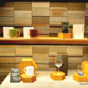 """2万円のグラスも、スターバックスが江戸硝子など""""伝統工芸品""""とコラボした希少グッズを販売。"""