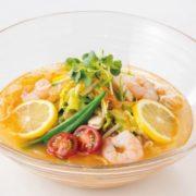 リンガーハット、レモンの爽やかな酸味と香りがエビの風味とマッチした「冷やしちゃんぽんエビ」を発売。