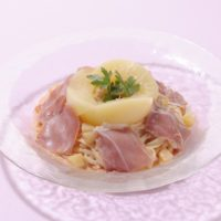 桃がパスタに「桃と生ハムの冷製パスタ」銀座コージーコーナーで数量限定提供。