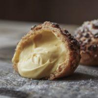 シャトレーゼ史上最も贅沢なシュークリーム、全国発売開始。新製法の濃厚カスタードがたっぷり。