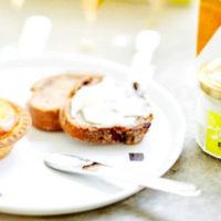 チーズタルト専門店ベイク、3周年アニバーサリーで購入者にクリームチーズスプレッドを限定プレゼント。
