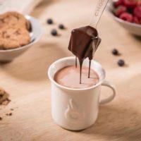 ショコレ、「飲むチョコレート体験」ができるショコレスティックをオンラインにて発売開始。