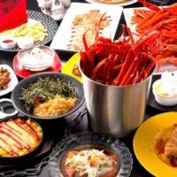 監獄レストラン、バケツ満タンの浜茹でズワイ蟹&料理50品食べ放題が3,480円で限定販売。