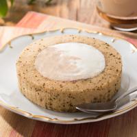 ローソン、スパイス香るチャイの「プレミアムロールケーキ」を2週間限定で発売。