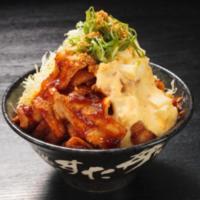 """すた丼、自家製ガリタルソースが決め手の『豪快ジャンク盛り""""ガリタル""""辛すた丼』を発売。"""