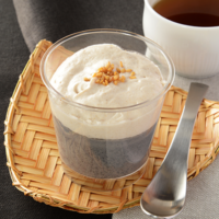 ローソンに「金胡麻ムースと黒胡麻のプリン」と「黒豆きなこアイス」が新登場。