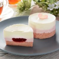 ローソン、白とピンクの苺スイーツ「ホワイトチョコレート&ベリーのケーキ」などを新発売。