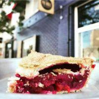"""Pie Hole""""チェリーパイ""""が復活、たっぷりフレッシュチェリーとサクサクパイ生地が人気。"""