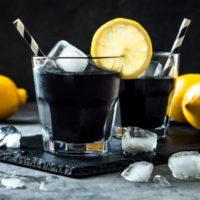 モノリス、真っ黒なダイエットドリンク「UltraCharcoal レモネードクレンズ」の販売を開始。