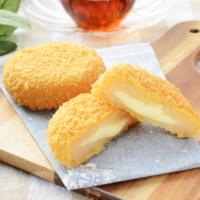 ローソン、中からチーズがトロ~リの北海道産原料にこだわった「いももち」などを新発売。