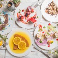 目の前で焼き上げる30種のクレープが食べ放題、秋葉原グランブルトンカフェで開催。