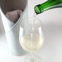 蔦屋書店、氷点下を2時間維持できる保冷バックと桜酵母の純米酒を先行発売。