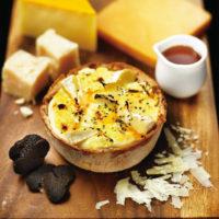 パブロ、6種のチーズが入った贅沢メニューがプレミアムカフェに新登場。