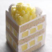 パティスリーSATSUKI、マスクメロンを贅沢使用「エクストラスーパーメロンショートケーキ」を販売。